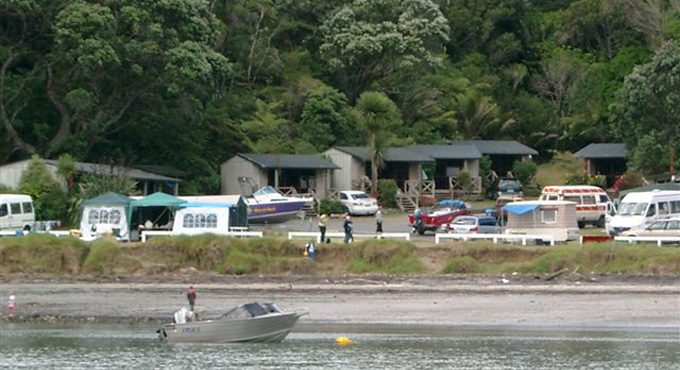 BEACHFRONT CAMPSITES & CABINS